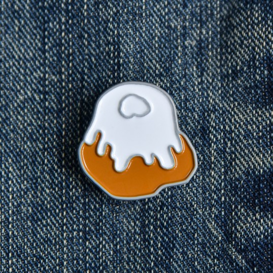 Sweetroll Enamel Pin